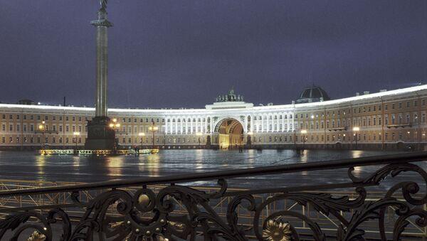 Widok na Plac Pałacowy w Petersburgu - Sputnik Polska