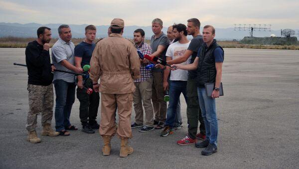 Ocalały pilot Su-24 kapitan Konstantin Murachtin w bazie lotniczej Hmeimim w syryjskiej Latakii - Sputnik Polska