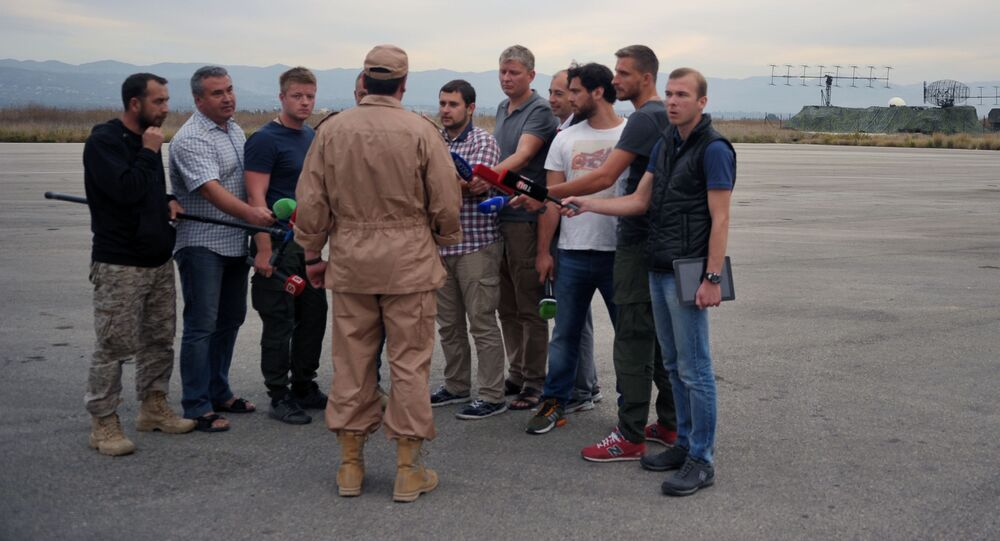 Ocalały pilot Su-24 kapitan Konstantin Murachtin w bazie lotniczej Hmeimim w syryjskiej Latakii