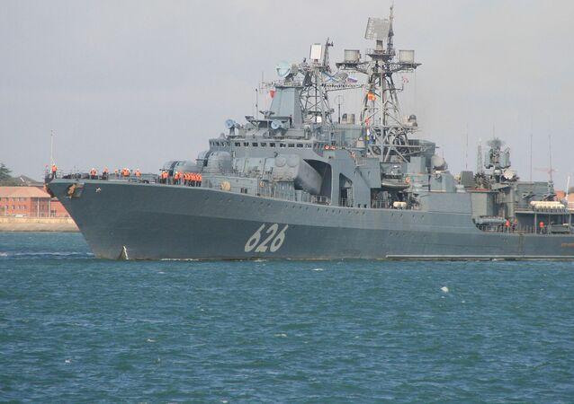 """Duży okręt do zwalczania łodzi podwodnych rosyjskiej marynarki wojennej """"Wiceadmirał Kułakow"""""""