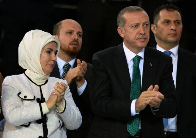 Prezydent Turcji Recep Tayyip Erdoğan z żoną Emine i synem Bilalem w Ankarze