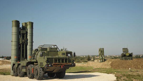 Rosja rozmieściła w Syrii rakietowe systemy obrony powietrznej S-400. - Sputnik Polska