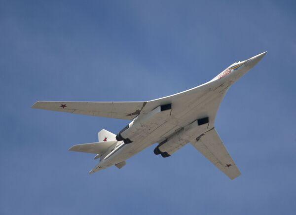Rosyjski turboodrzutowy ponaddźwiękowy bombowiec strategiczny Tu-160 - Sputnik Polska