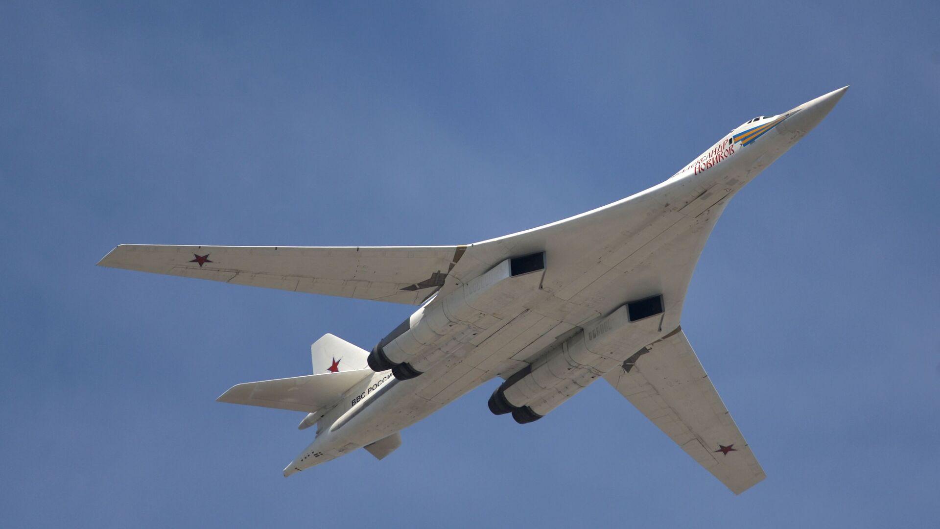 Rosyjski turboodrzutowy ponaddźwiękowy bombowiec strategiczny Tu-160 - Sputnik Polska, 1920, 15.06.2021