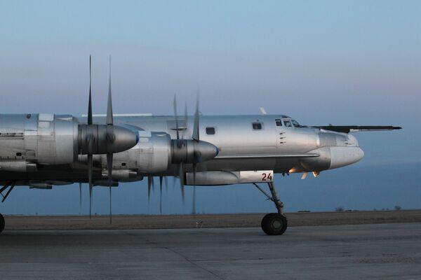 Strategiczny samolot bombowy dalekiego zasięgu Tu-95MS - Sputnik Polska