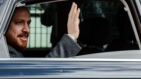 Syn tureckiego prezydenta  Bilal Erdogan w samochodzie - Sputnik Polska