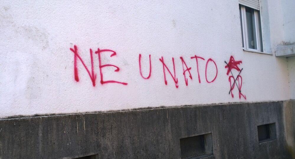 Anty-NATO graffiti w Czarnogórze