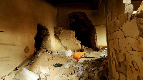 Podziemny tunel, wykopany przez bojowników Daesh (PI) w Sindżarze - Sputnik Polska