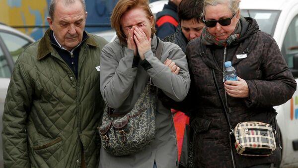Członkowie rodzin pasażerów Airbusa A320 Germanwings - Sputnik Polska