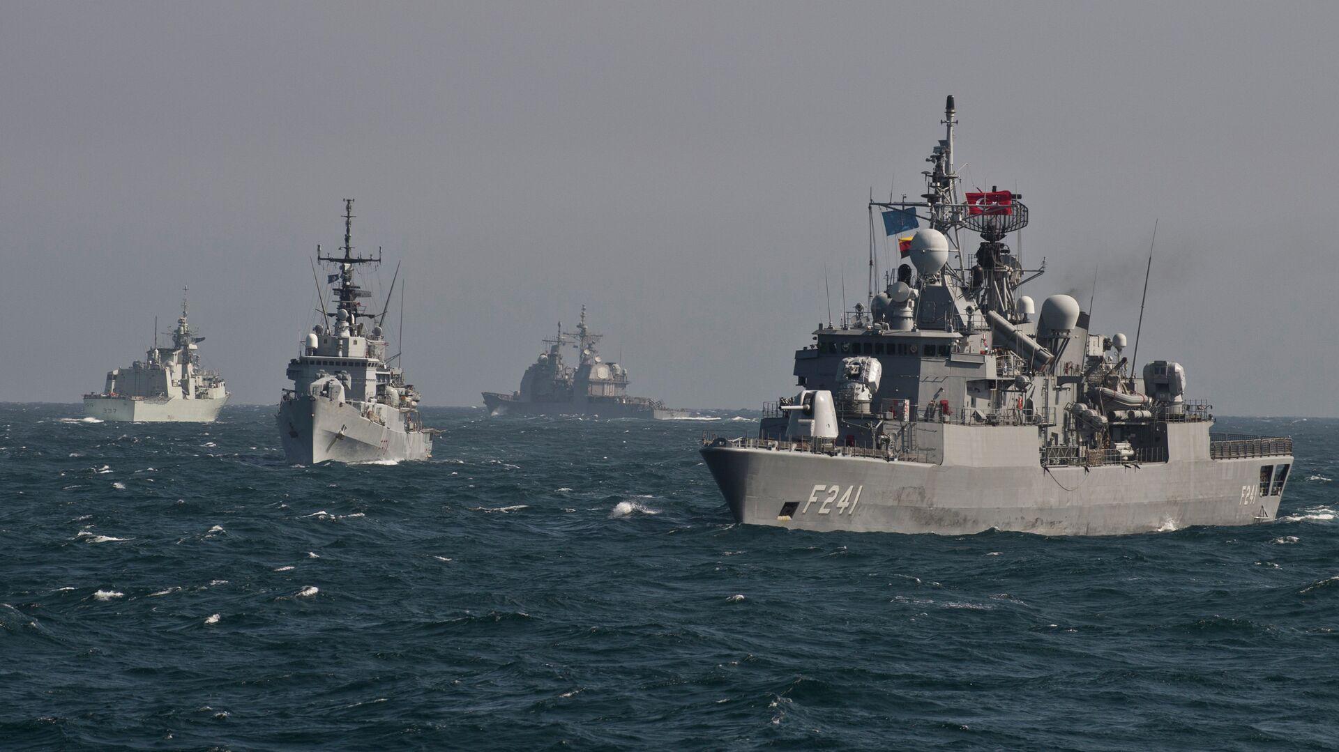 Okręty NATO uczestniczą w ćwiczeniach wojskowych na Morzu Czarnym - Sputnik Polska, 1920, 25.08.2021