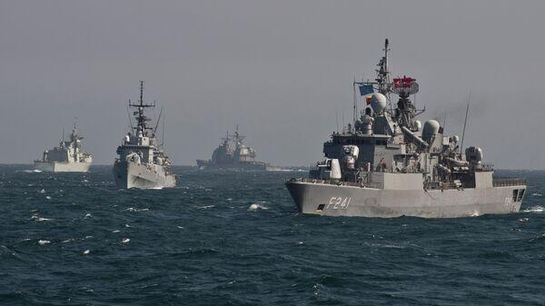 Okręty NATO uczestniczą w ćwiczeniach wojskowych na Morzu Czarnym - Sputnik Polska