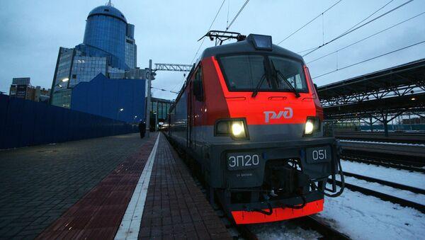 Dwupiętrowy pociąg Samara-Moskwa wyruszył w pierwszą podróż - Sputnik Polska