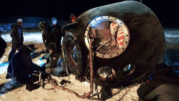 Załogowy statek Sojuz TMA-17M po wylądowaniu - Sputnik Polska