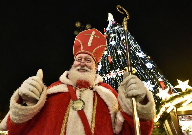 Św. Mikołaj na targach bożonarodzeniowych w Niemczech