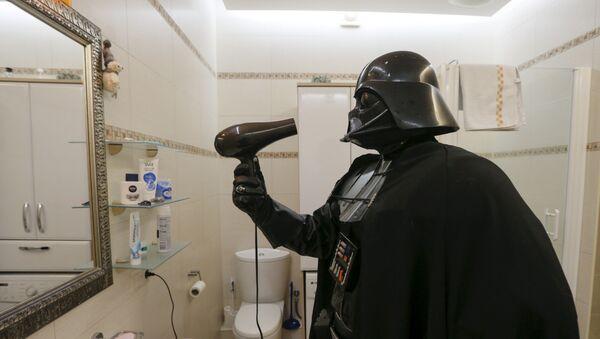 Darth Vader nie ma za wiele do suszenia, ale z suszarki korzysta regularnie. - Sputnik Polska