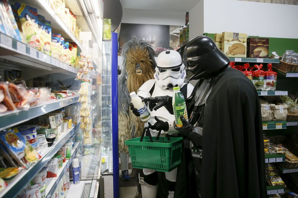 Darthowi Vaderowi, tak samo jak Chewbacce nic ludzkie nie jest obce, w tym uczucie głodu.