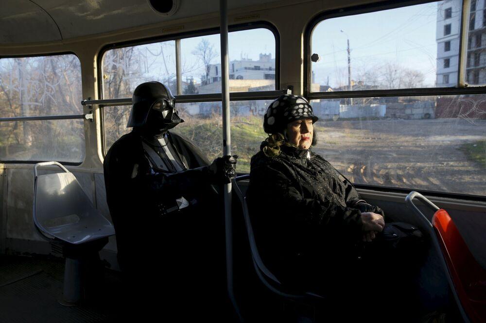 Darth Nikołajewicz Vader woli komunikację miejską.