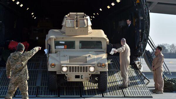 Amerykański samochód opancerzony Humvee - Sputnik Polska