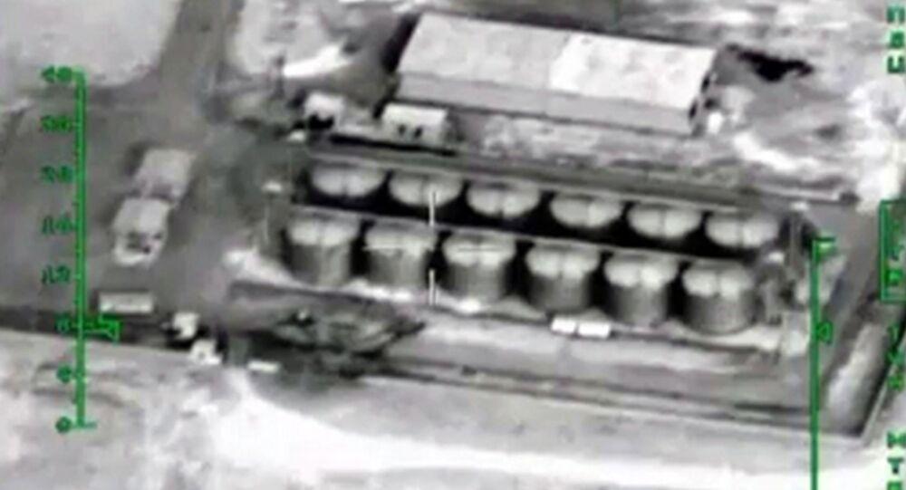 Nalot Sił Lotniczo-Kosmicznych Rosji na magazyny ropy naftowej terrorystów w Syrii
