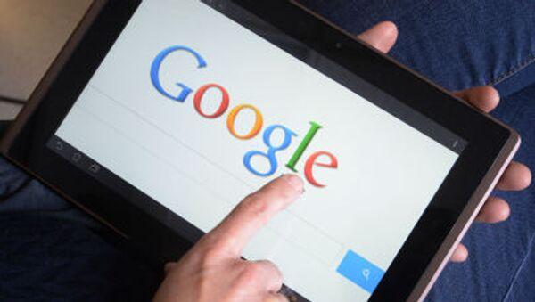 Wyszukiwarka Google na tablecie - Sputnik Polska