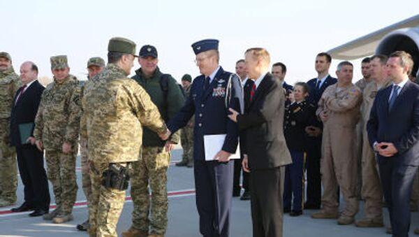 Poroszenko przyszedł z bronią na spotkanie z przedstawicielami USA - Sputnik Polska