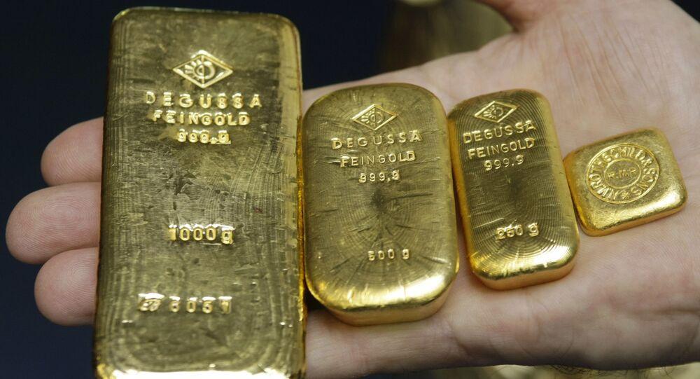 Sztabki złota o wadze 1 kg, 500 g, 250 g i 50 g w banku w Stuttgarcie, Niemcy