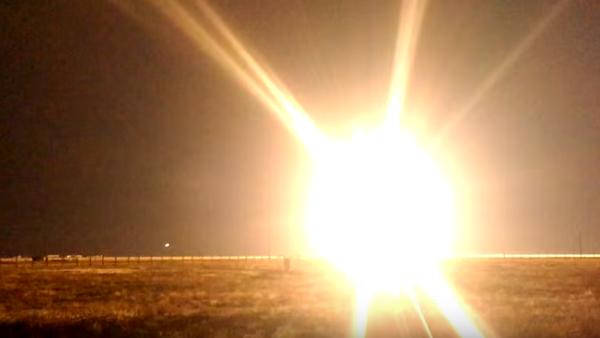 Strzelanie z systemu kierowanych rakiet Tor-M2U i najnowszego S-300W4 - Sputnik Polska