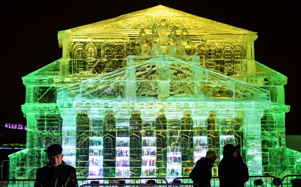 Teatr Wielki z lodu na festiwalu w Moskwie