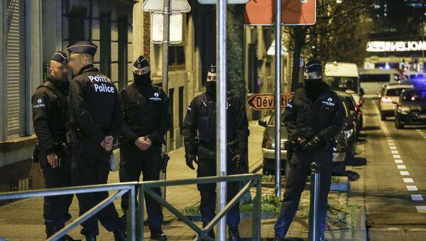 Belgijska policja przeprowadza przeszukania w sprawie planowanych ataków terrorystycznych w okresie Nowego Roku - Sputnik Polska