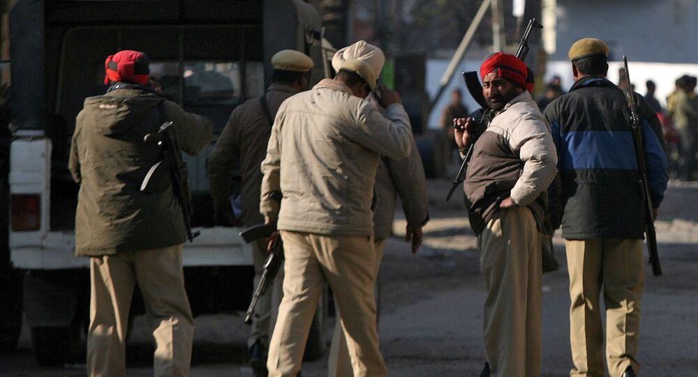 Siły bezpieczeństwa Indii w bazie lotniczej Pathankot