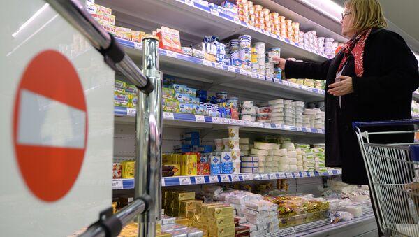 Litewski nabiał w moskiewskim supermarkecie - Sputnik Polska