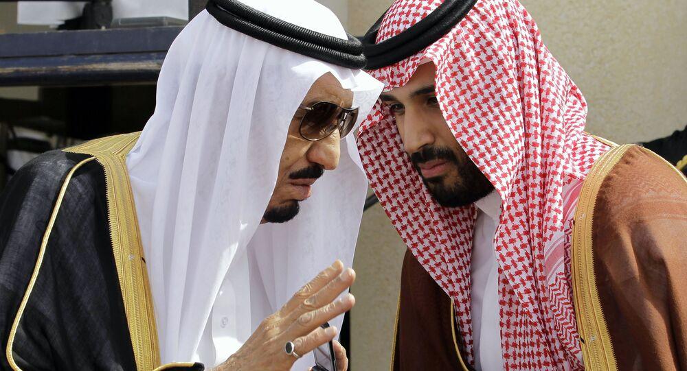 Król Arabii Saudyjskiej Salman ibn Abd al-Aziz Al Su'ud i książę Mohammed bin Salman