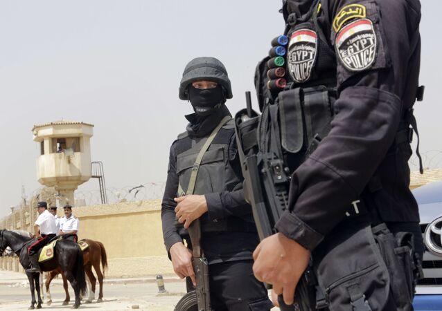 Egipska policja w Kairze
