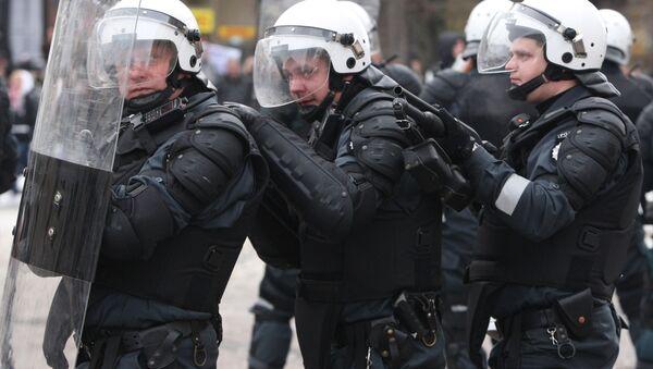 Litewskie siły specjalne na ulicach Wilna - Sputnik Polska