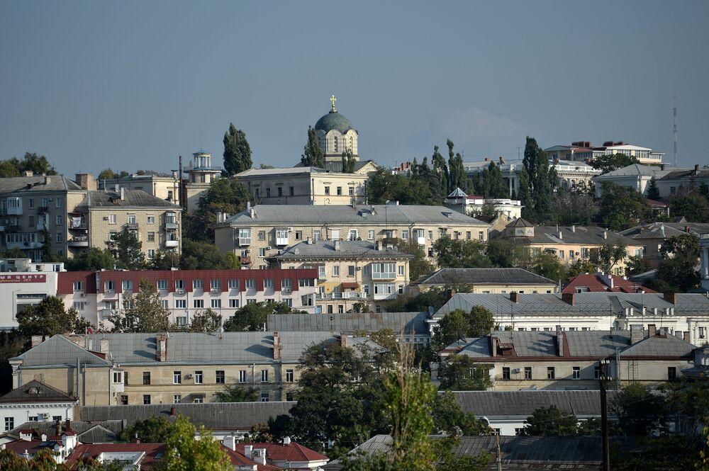 Widok na Sobór św. Włodzimierza w Sewastopolu