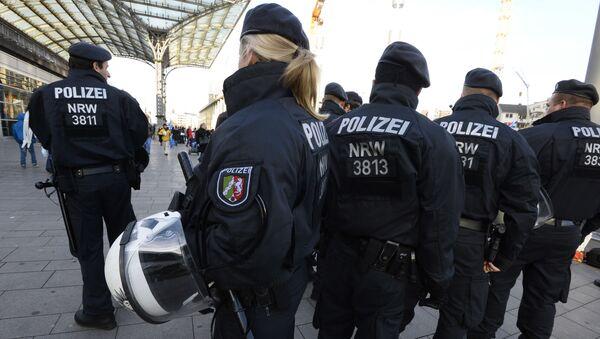 Policja na dworcu w Kolonii - Sputnik Polska