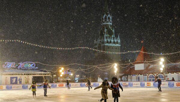 Lodowisko na Placu Czerwonym w Moskwie - Sputnik Polska