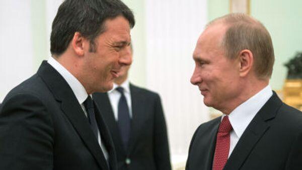 Premier Włoch Matteo Renzi i prezydent Rosji Władimir Putin na Kremlu - Sputnik Polska