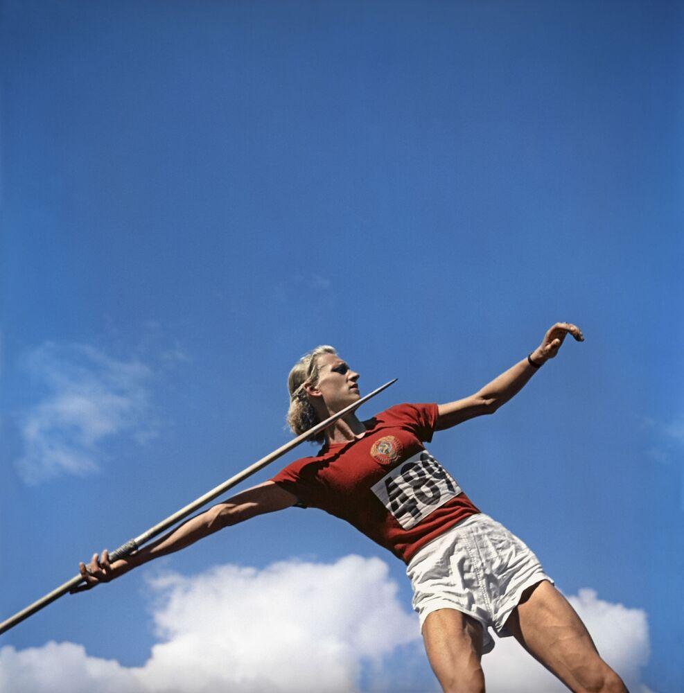 Lekkoatleta Aleksandra Czudina na Igrzyskach Olimpijskich w Helsinkach
