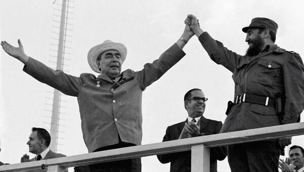Przewodniczącego Rady ministrów ZSRR Leonid Breżniew i Pierwszy sekretarz komitetu centralnego komunistycznej Partii Kuby, premier Rewolucyjnego rządu Fidel Castro - Sputnik Polska