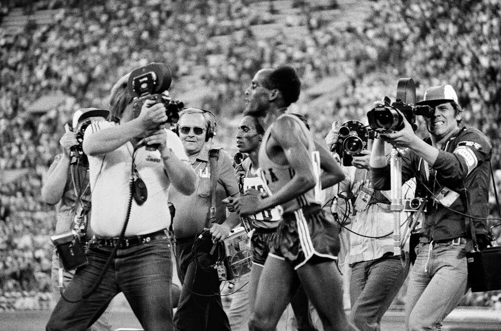 Mistrz XXII Igrzysk Olimpijskich w biegu na 10 000 metrów Mirus Ifter z Etiopii