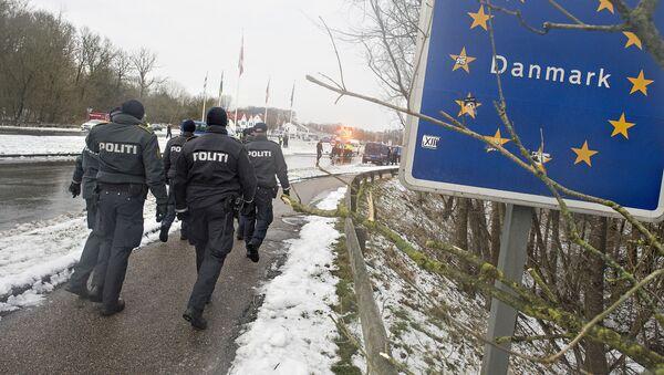 Duńscy policjanci na niemiecko-duńskiej granicy - Sputnik Polska