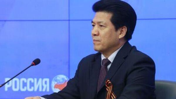 Ambasador ChRL w Moskwie Li Hui - Sputnik Polska