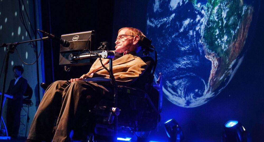 Brytyjski fizyk teoretyk Stephen Hawking na konferencji prasowej