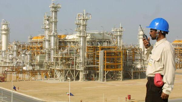 Rafineria w Iranie - Sputnik Polska