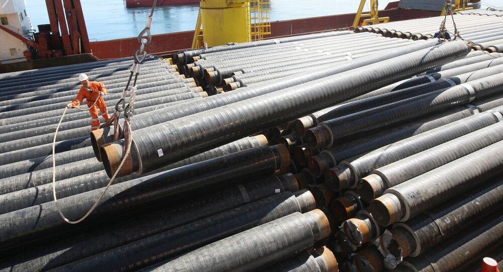 Układanie rur morskiego odcinka gazociągu na Morzu Czarnym