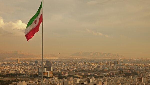 Flaga Iranu nad Teheranem - Sputnik Polska