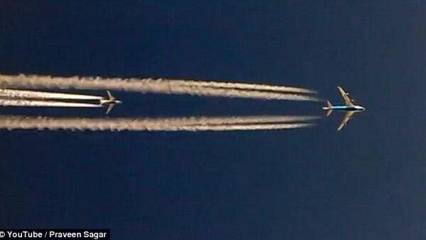 Trzy Boeingi ścigają się w powietrzu - Sputnik Polska