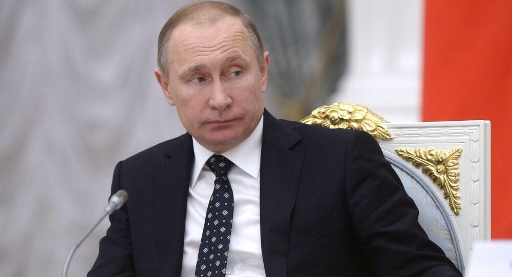 Prezydent Rosji Władimir Putin na posiedzeniu Rady ds. nauki i edukacji