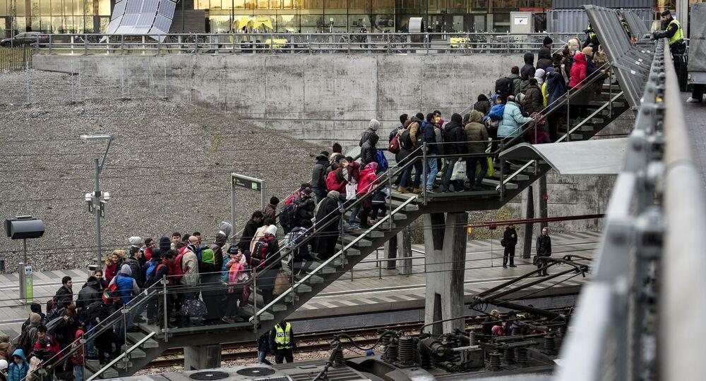 Migranci przybyli do Szwecji
